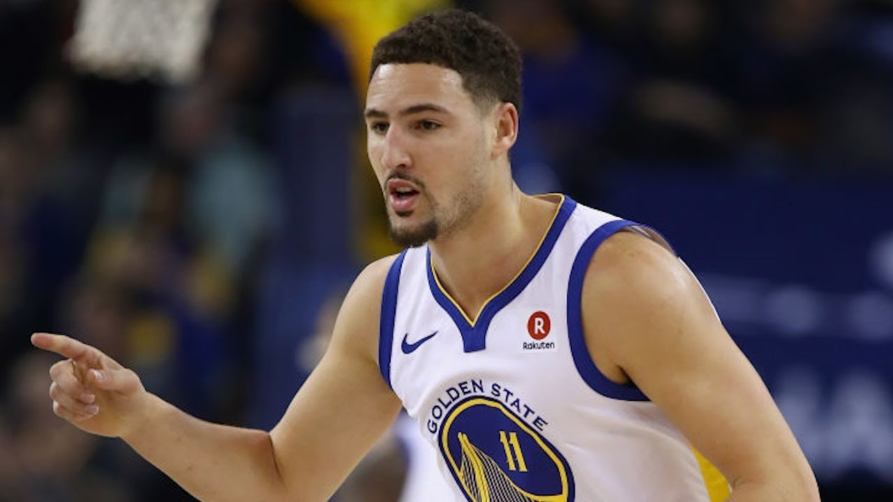 Warriors slog their way to holiday homestand opening win
