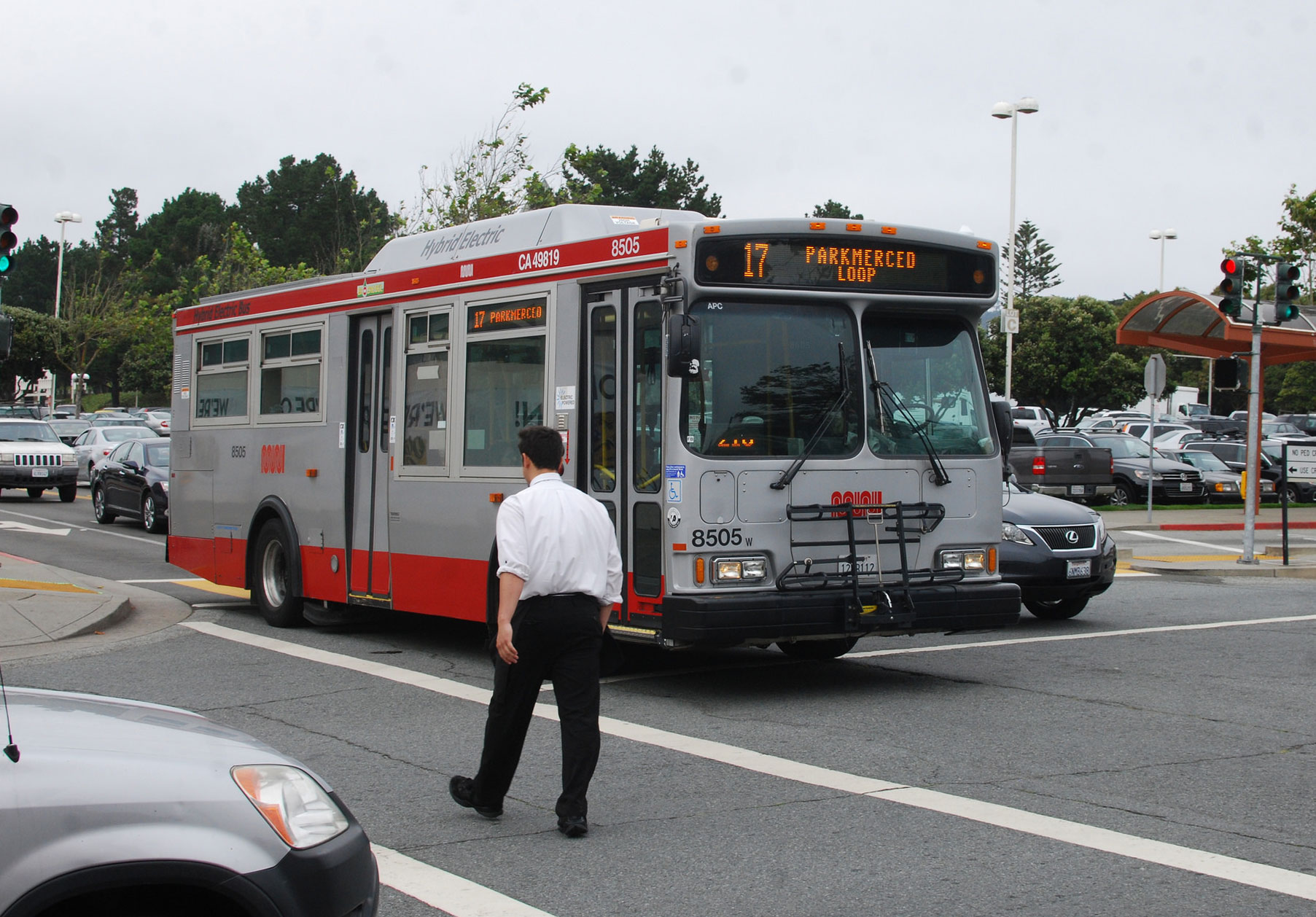 Muni mulls pure electrics for short bus refresh