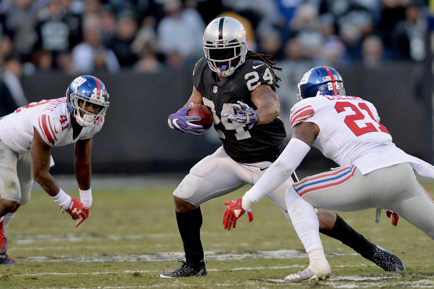 Raiders survive Giants, rise to top of AFC West 58